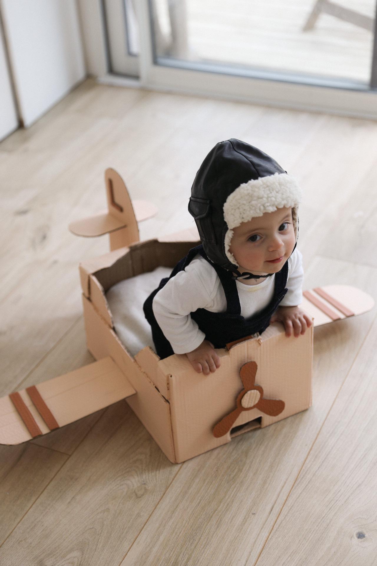 diy plane cardboard