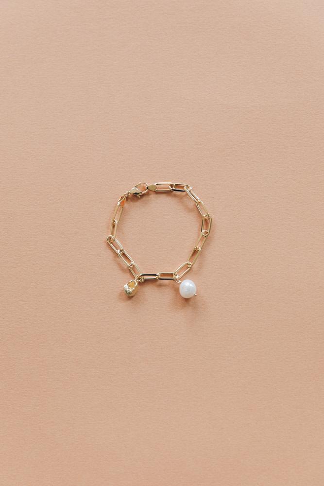 DIY bracelet grosse maille breloque perle et coquillage-13