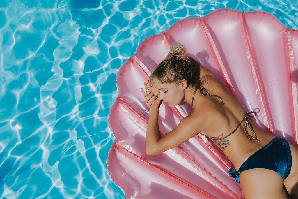 Bouee-coquillage-piscine-summer
